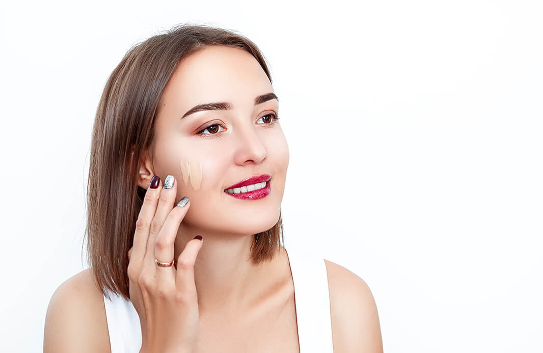 How To Apply Foundation Like The Pros To Get A Flawless Finish Electronics Food Fashion And More Lulu Goodlife Blog